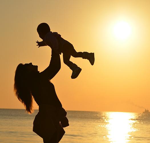 Мајци или мајки
