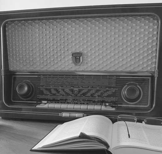 Na radiju ili na radiu: pisanje glasa j